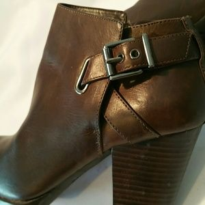 30%/4 GB BROWN LEATHER ANKLE BOOTS PLATFORMS SZ 7